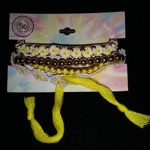 SO Stretch Bracelet of Daisys, Beads NWT